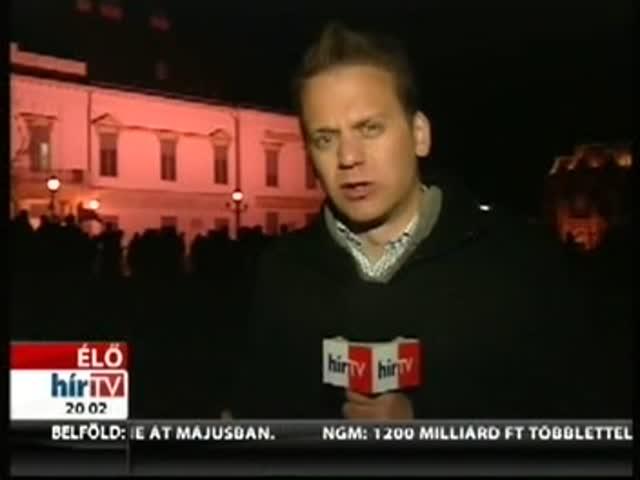 Egyre több rendőr van a Sándor-palota előtt – Bejelentkezés 20 órakor