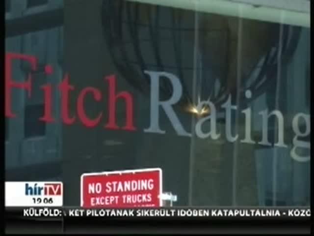 Érvényben tartja negatív kilátását a Fitch Ratings