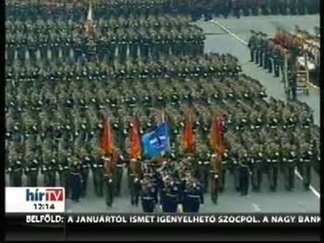 Több ezer katona, harci jáművek és Putyin