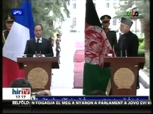 Hollande váratlan látogatást tett