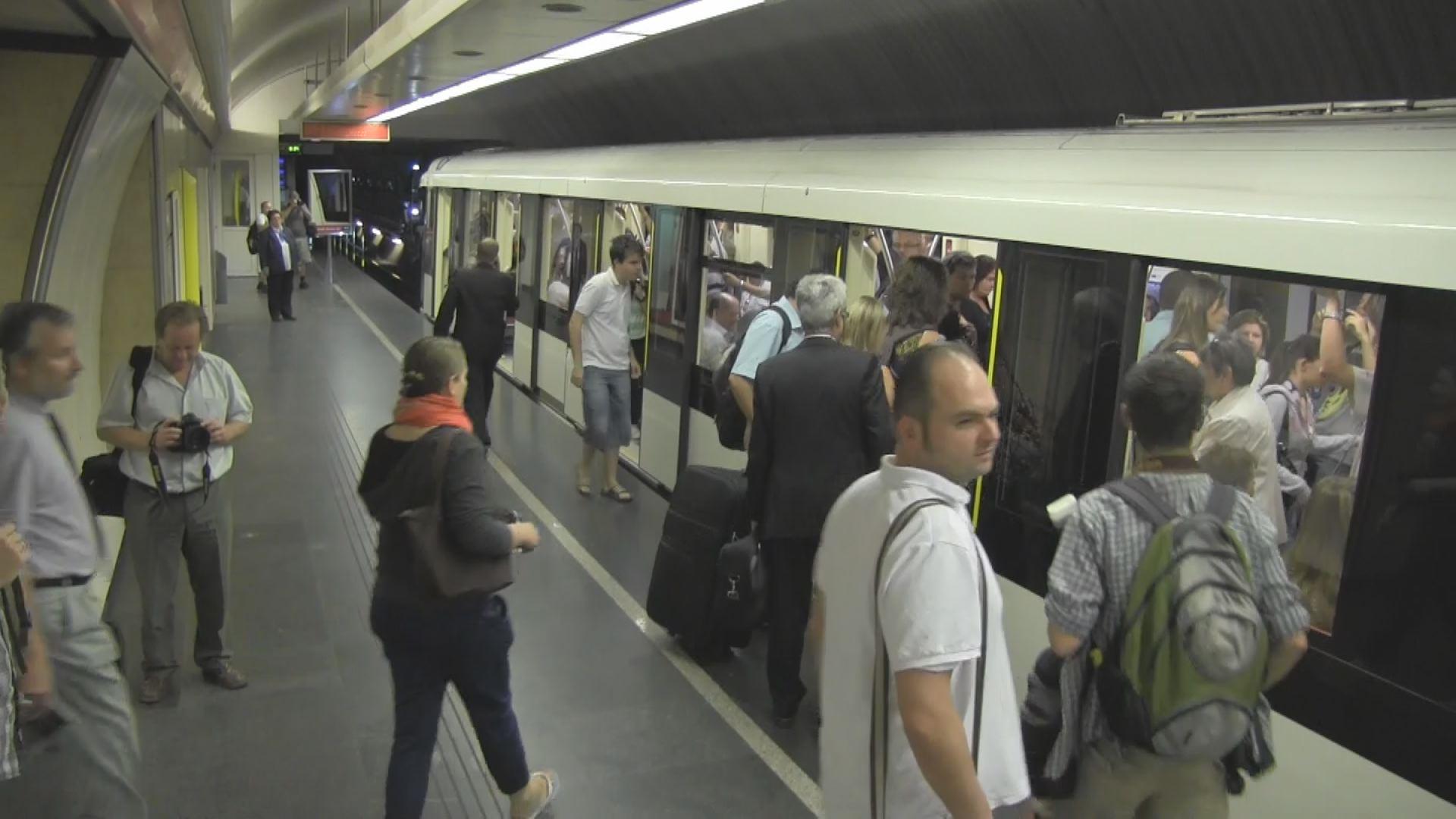 Vége a földalatti retrónak - elindult az első Alstom metró