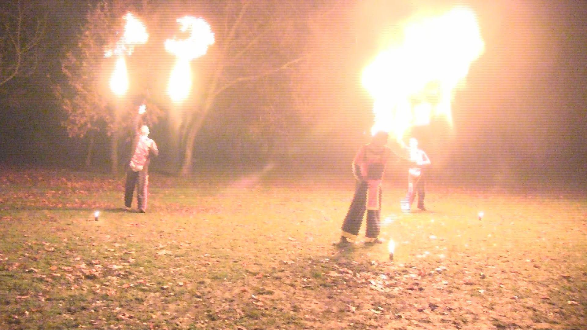 20 méteres lángok csaptak az égbe
