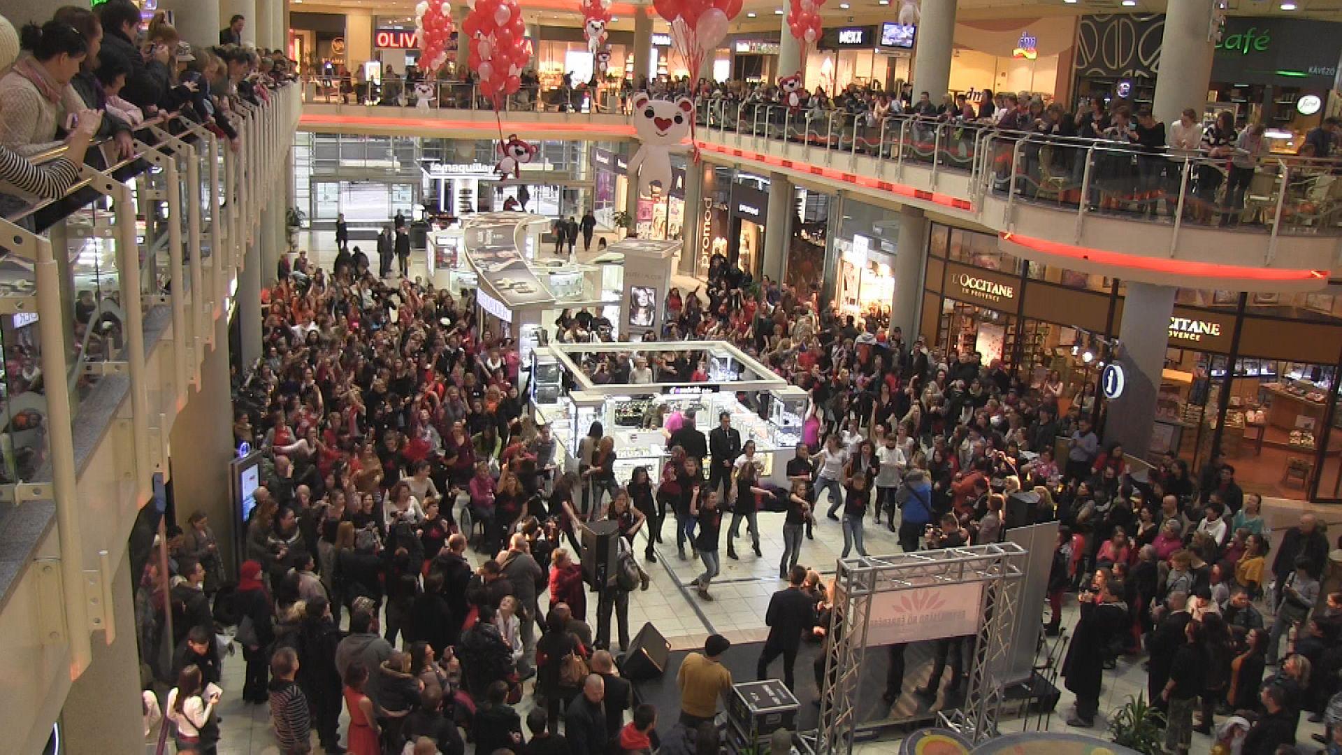 Flashmob egy milliárd nő védelmében