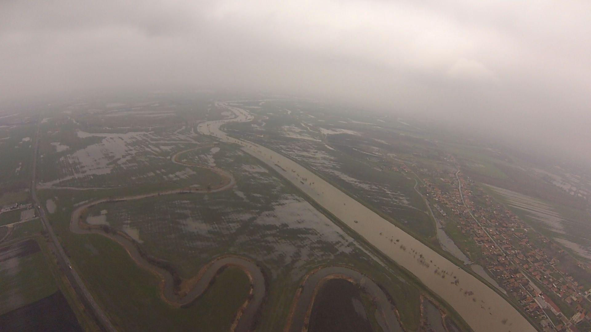 Páratlan légi felvételek Jásztelek térségéből a Zagyváról
