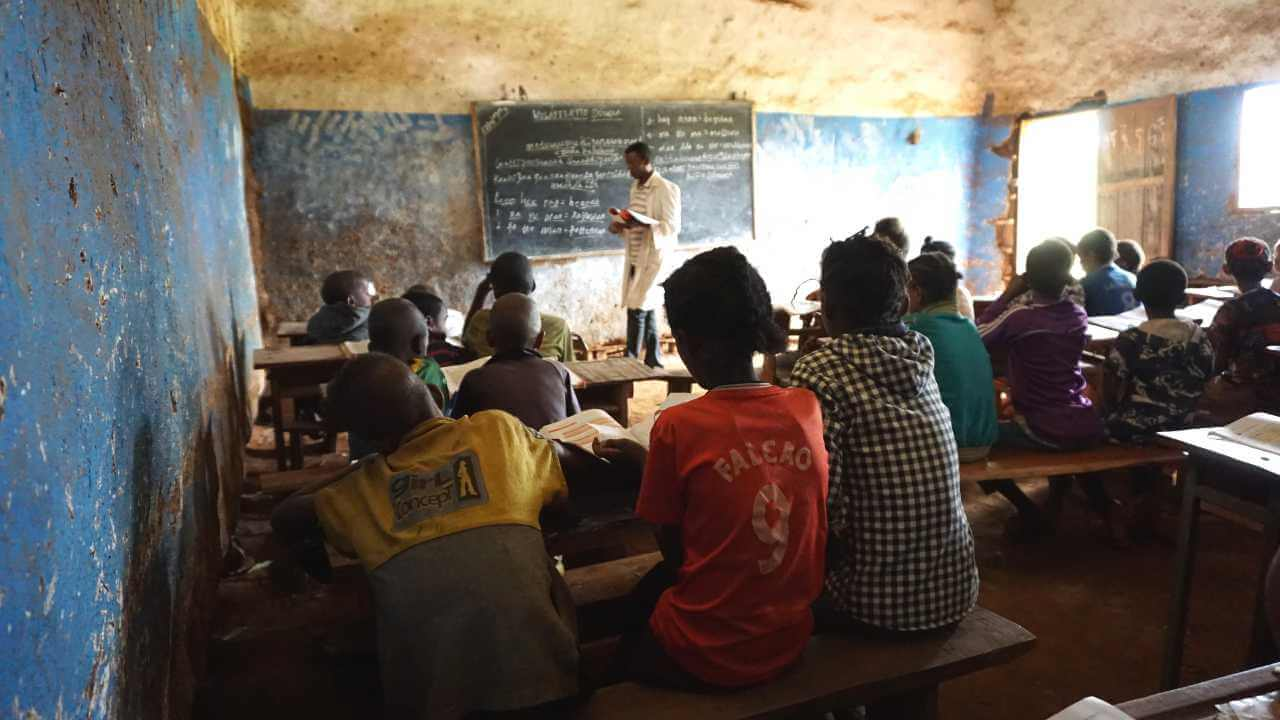 Imagen descriptiva de cabecera de la ONG Ayuda en Acción