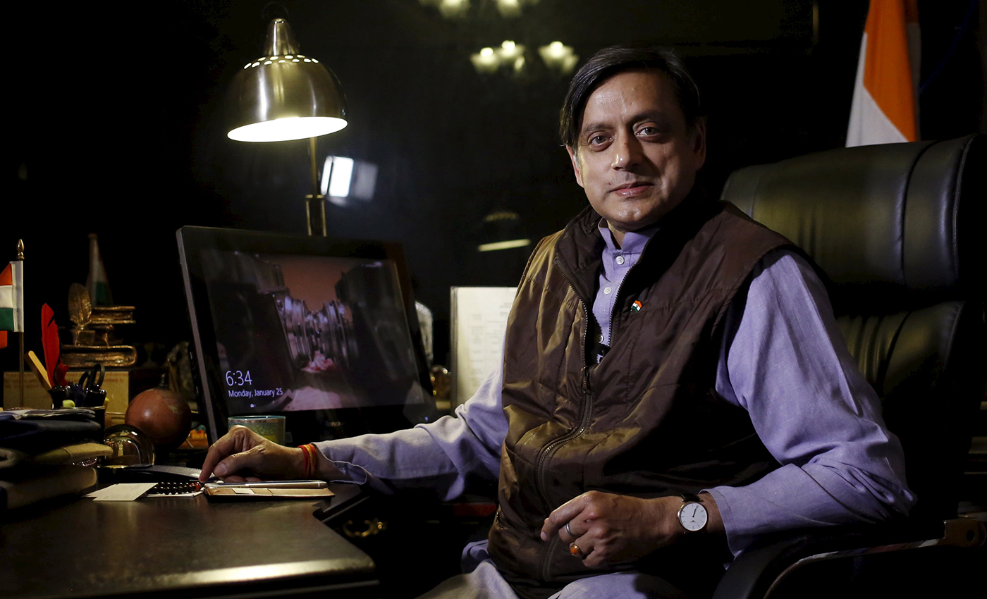 Shashi Tharoor endorses an article which states that those who bury the dead have a greater claim on India.