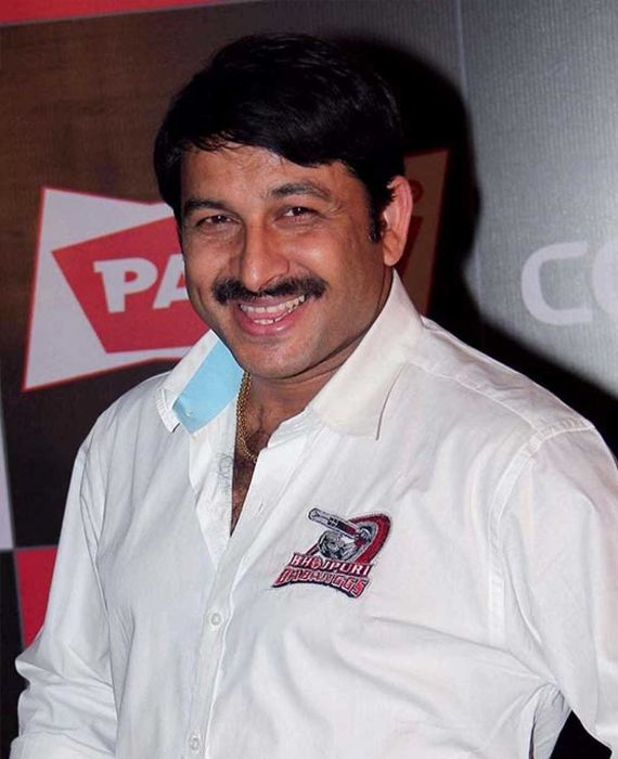 Delhi's BJP chief Manoj Tiwari had violated lockdown rules while being surrounded by people as he was distributing masks.