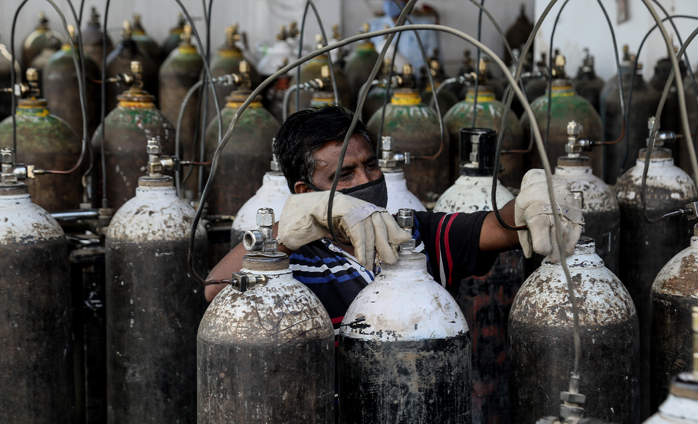 The Delhi High Court has ordered the Delhi government to construct its own oxygen plant.
