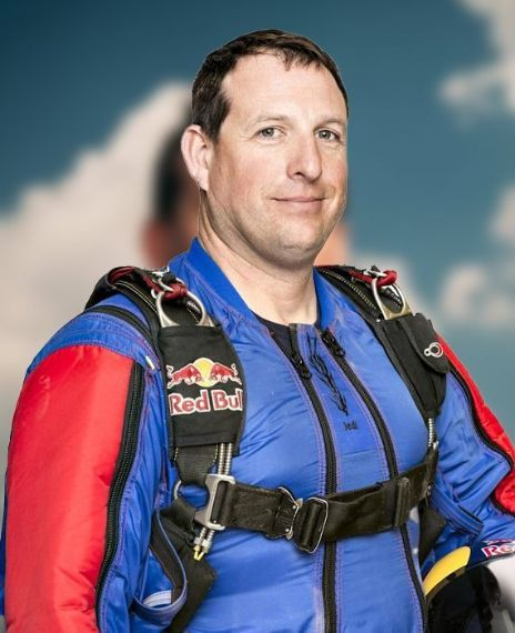 Skydiver Luke Aikins jumps from the plane without a parachute.