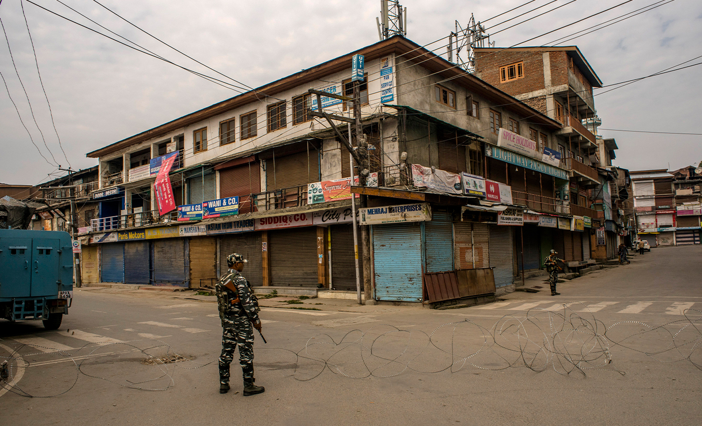 Stone pelting stopped in Kashmir after demonetisation.