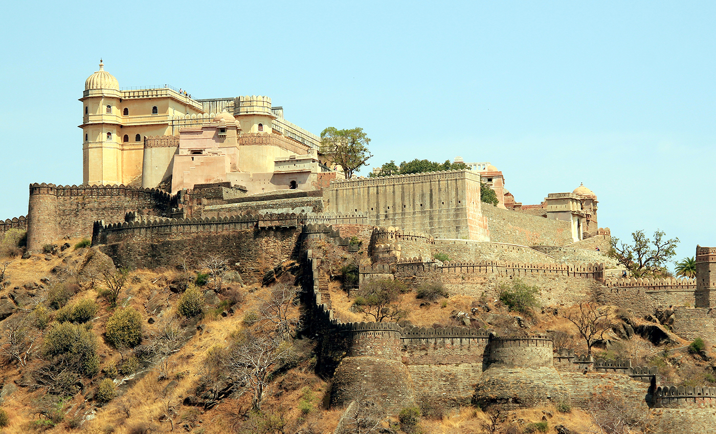 The wall of Kumbhalgarh Fort is the second-longest wall in the world.