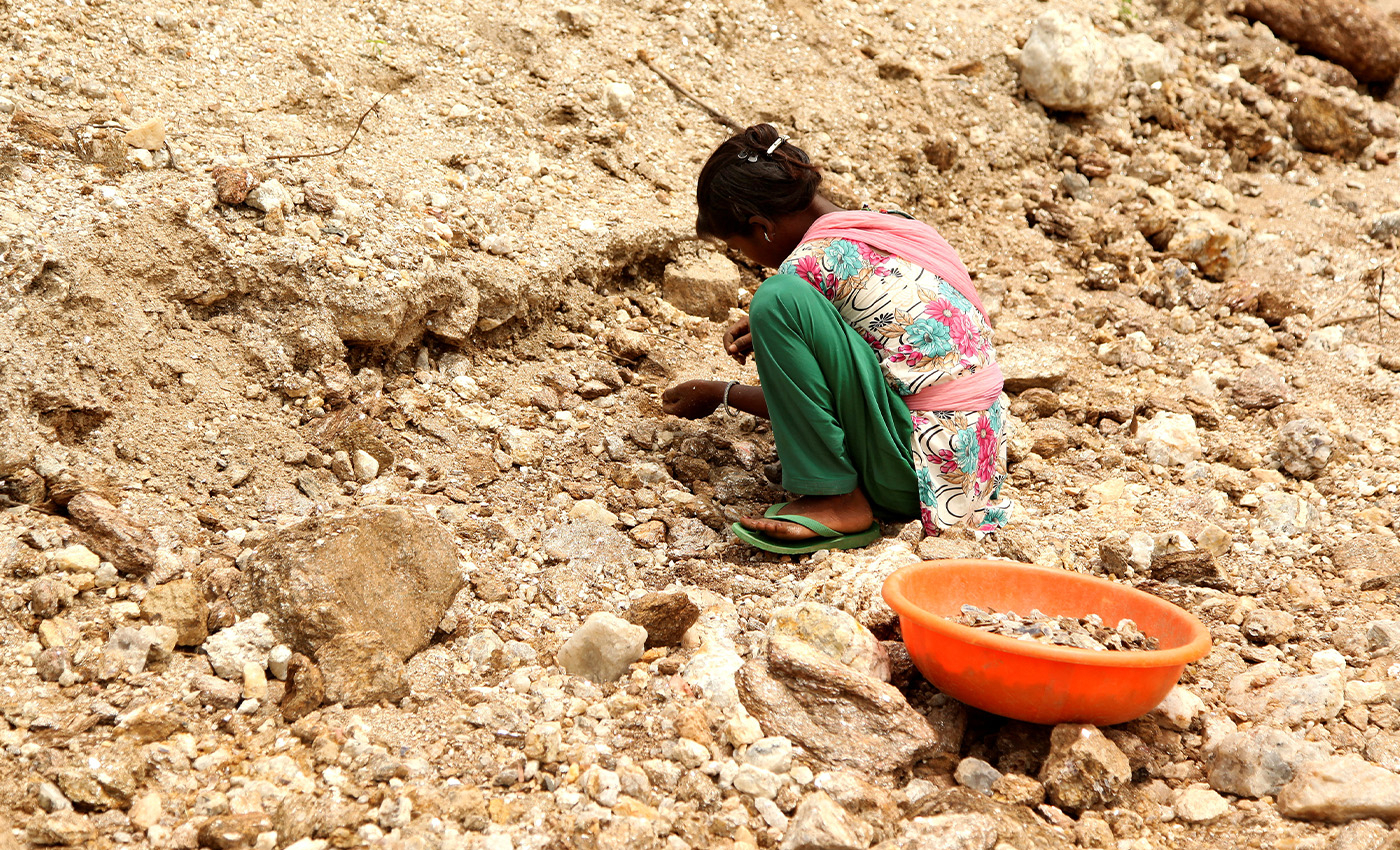 Children in India are being used to mine mica used in cosmetics.