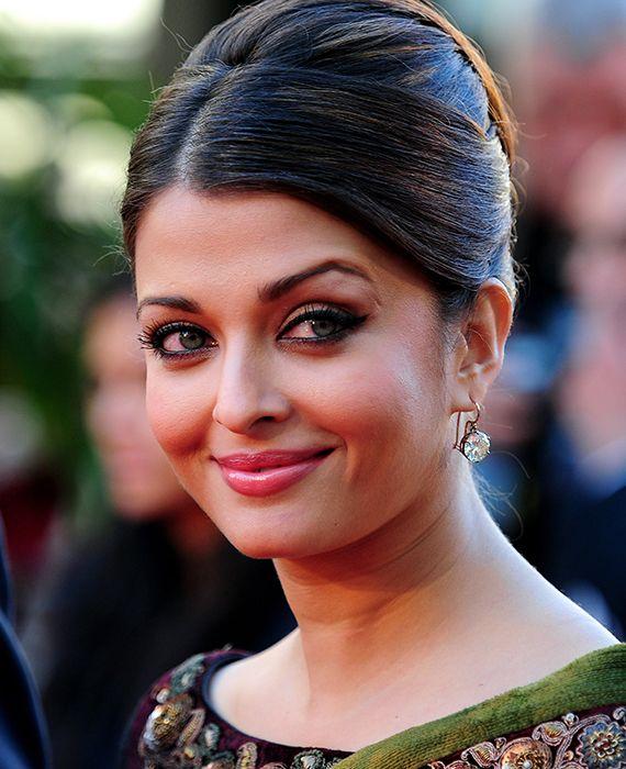 Jaya Bachchan, Aishwarya Rai Bachchan, and Aaradhya have tested negative for coronavirus.