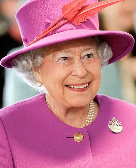 "A viral video on social media shows that Queen Elizabeth II saying, ""Ye jeda munda Harry, jis din janamiya si, mein Diana nu Kiya si ki menu tera ye munda bilkul koi kayeda da ni lagda peya (The day H"