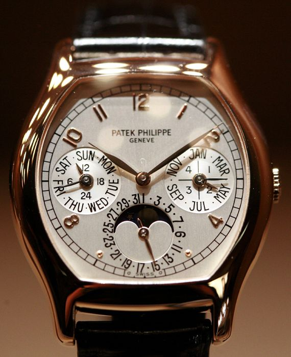 Patek Philippe discontinued the production of watches amid coronavirus crisis.