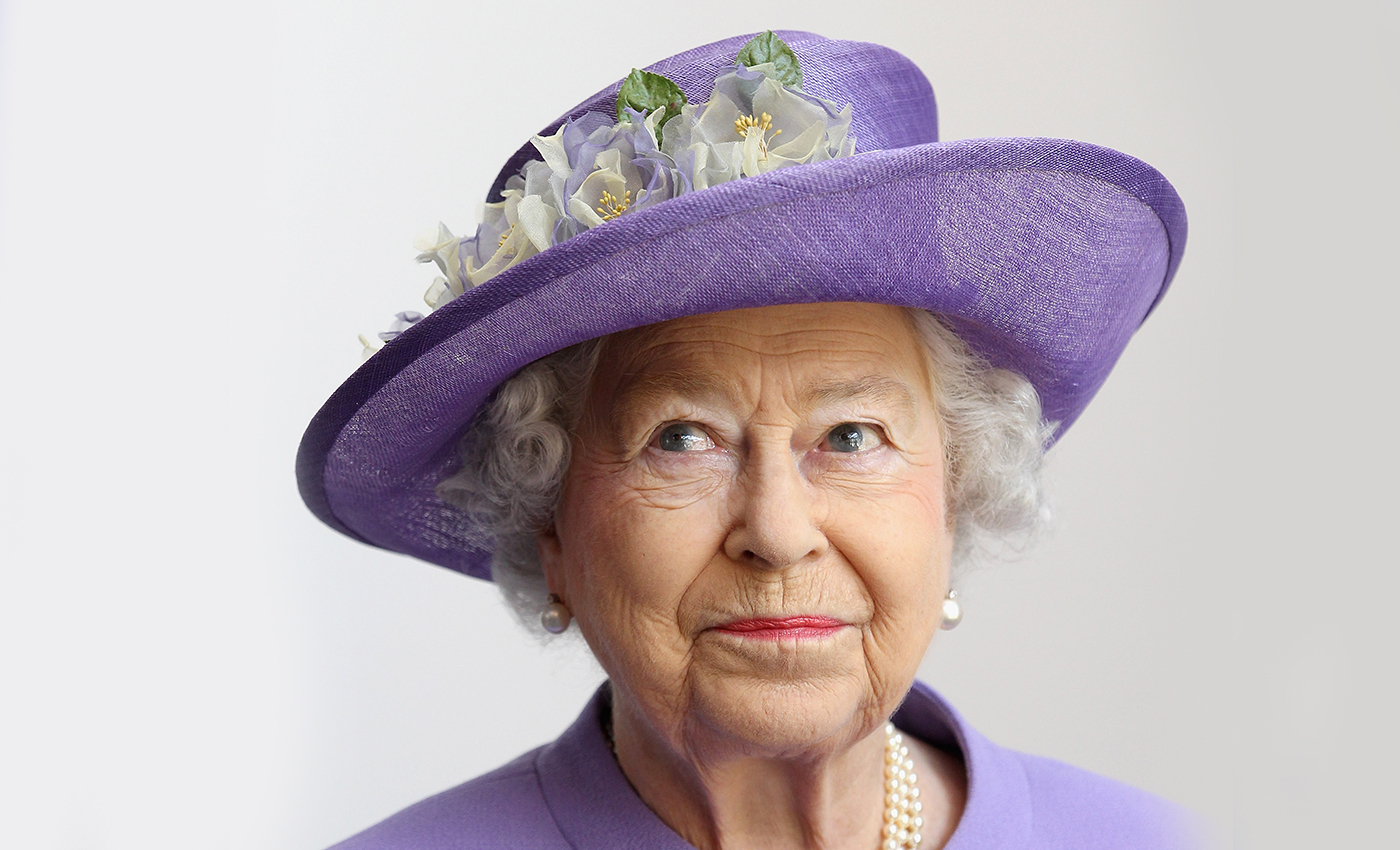 Someone broke into the Queen's bedroom to speak with her at length.