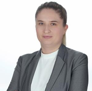 professional online Business Studies tutor Izabela