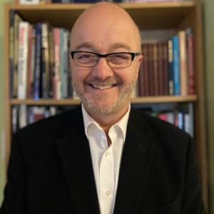 professional online Media Studies tutor Robert