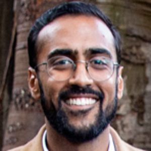 professional online Medicine tutor Akhil
