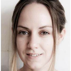 professional online Natural history tutor Helen