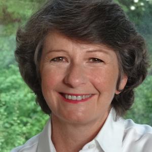 professional online Chartered Institute of Marketing (CIM) tutor Celia (Betty)