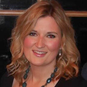 professional online Economics tutor Samantha