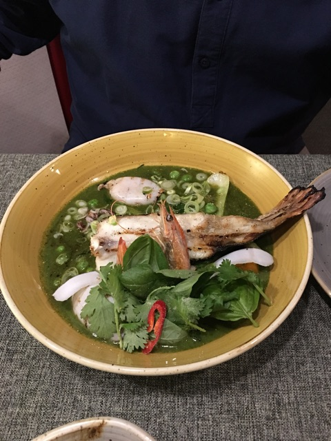 Curry verde de Mar con albahaca Thai