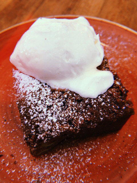 Brownie con yogur