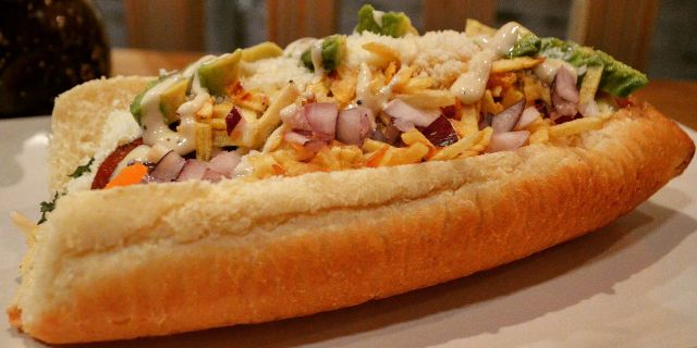 Hot Dog con Todo