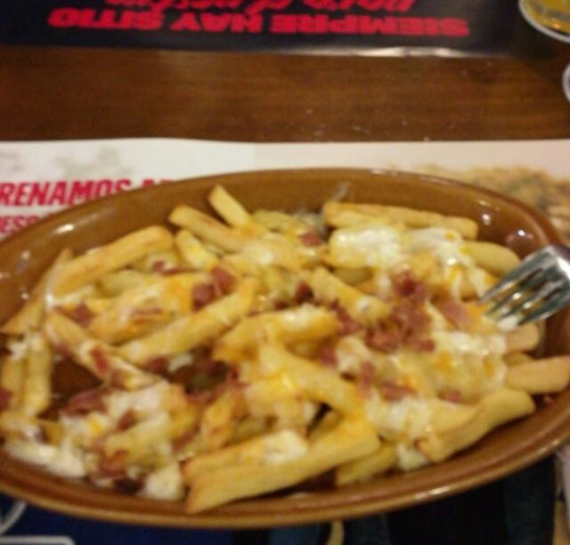 Cheese and bacon fries