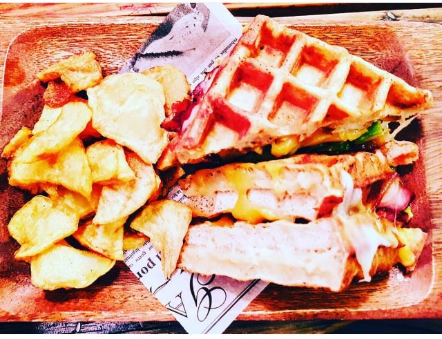 Grilled -chesse Waffle Sanwich