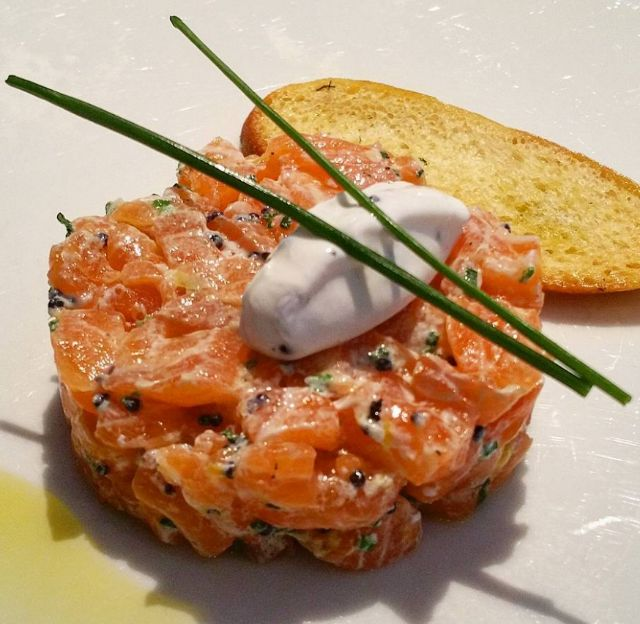 Salmon tartare with greek yoghurt and spanish caviar