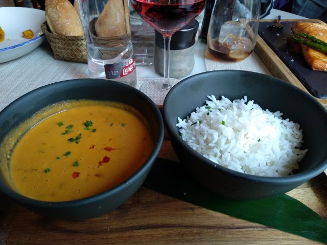 Curry rojo con gambas