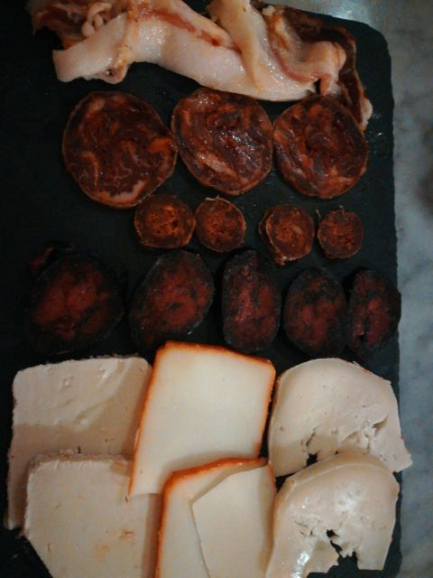 Tabla de queso y embutidos