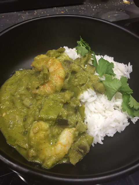 Curry verde de langostinos