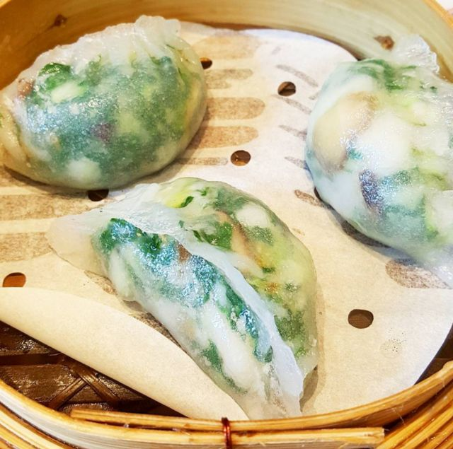 Steamed veggie dumplings with shrimps