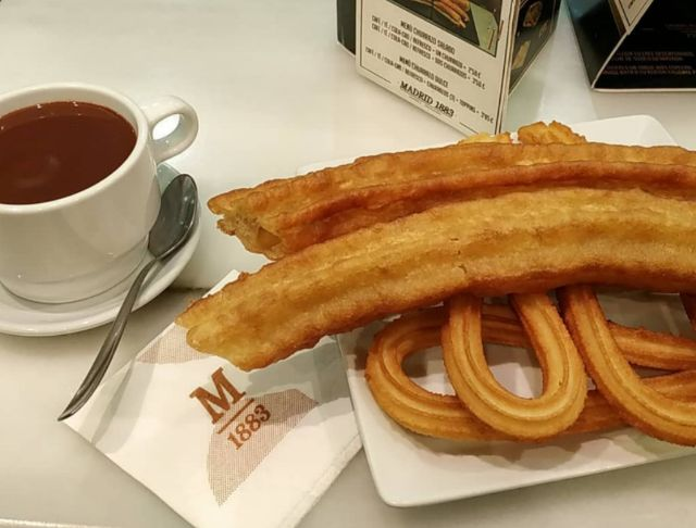 Chocolate con porras y churros
