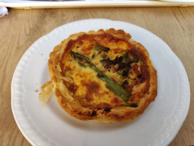Quiche de espárragos y bacon