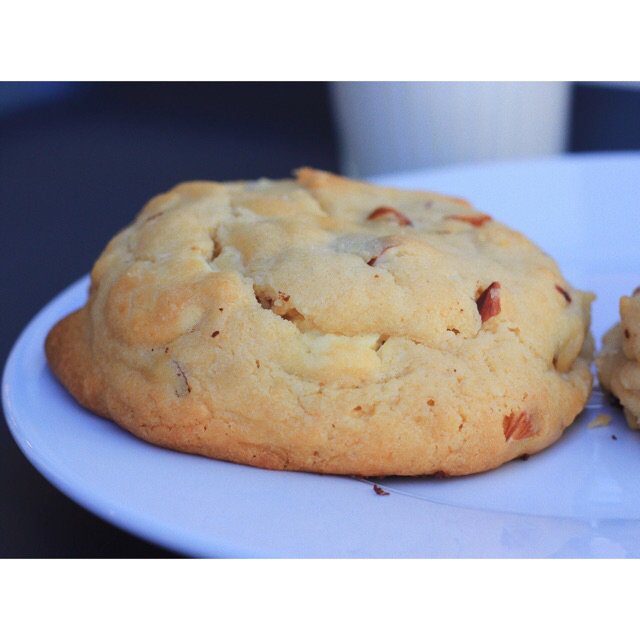 White chocolate chip cookie with pecans