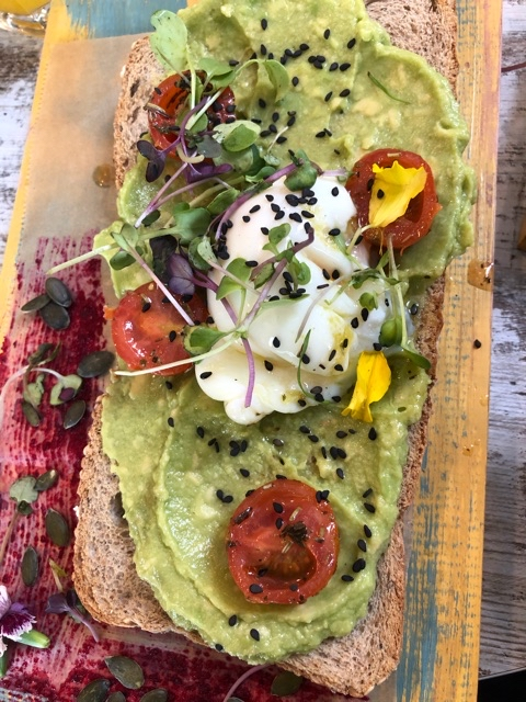 Aguacate toast
