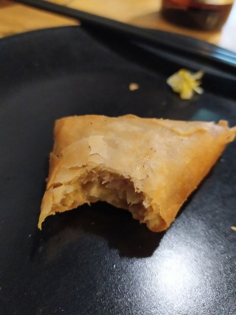 Samosa de pollo al curry