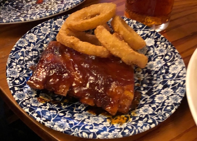Small Ribs and Onion Rings